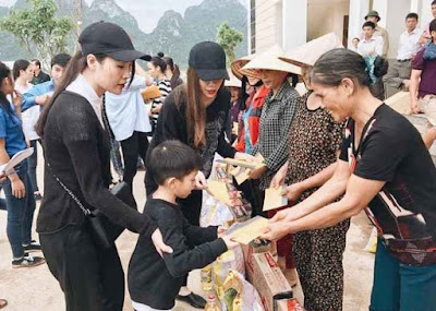 Hồ Ngọc Hà đưa Subeo về Quảng Bình làm từ thiện