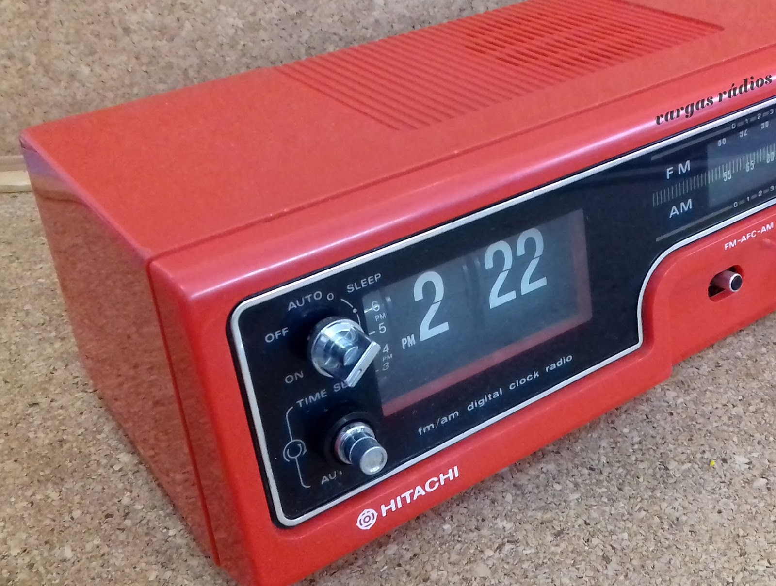 2b31a88234a Vargas Rádios Antigos Restaurados para Carros e Valvulados  Rádio ...
