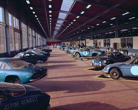 Alpine-Renault's Racing Workshop