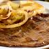 Disfruta este delicioso bistec ensebollado