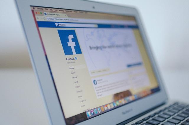 فيسبوك تطور خوارزمية الترجمة الخاصة بها