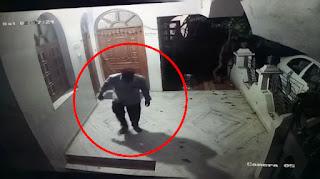 चोरो का आतंक: एक रात में 2 जगहों पर बोला धावा, CCTV में हुवे कैद