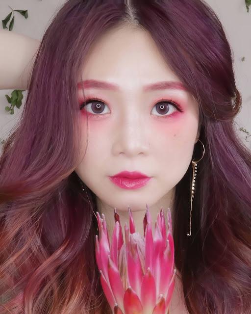 pink contact lens