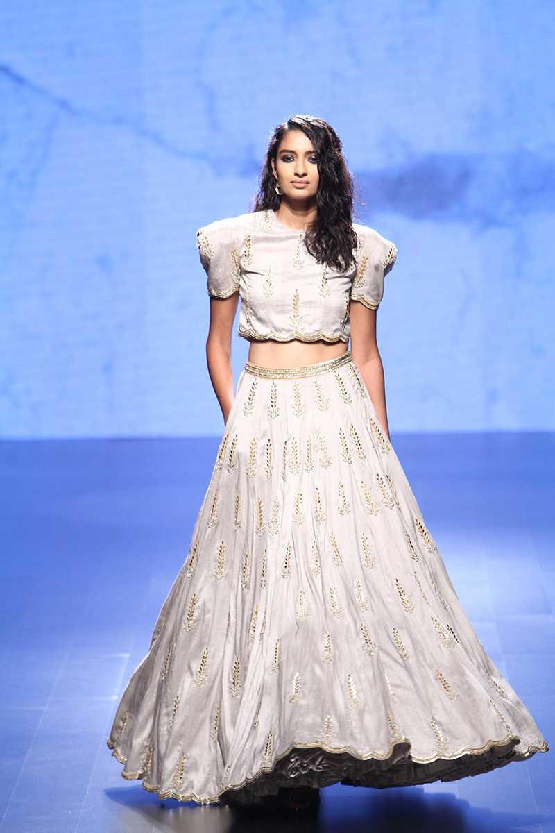 Scarlet Bindi South Asian Fashion And Travel Blog By Neha Oberoi Lakme Fashion Week Winter Festive 2016 Payal Singhal