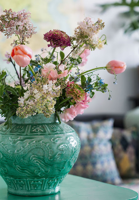 Spruce up your home with fresh cut flowers from the garden- design addict mom