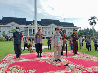 Jelang New Normal, Kapolda Jambi Bersama Gubernur dan Danrem 042/Gapu Pimpin Apel Gelar Pasukan Operasi Pendisplinan Protokol Kesehatan