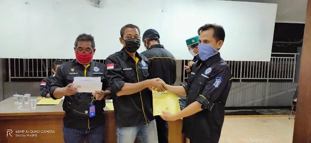LPMK Dukuh Sutorejo Door To Door Membagikan BST Dalam Baksos Rutin Menyambut Idul Fitri