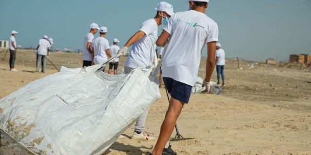EGYPT: Lafarge Holcim collects plastic waste on Egyptian beaches