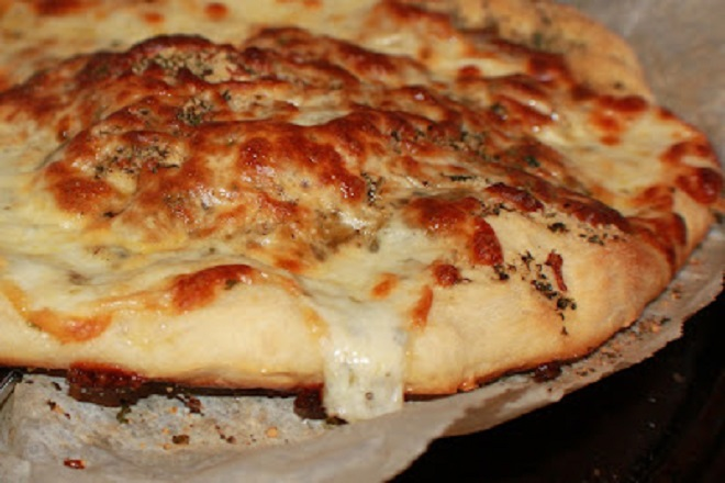 white pizza with just garlic no sauce