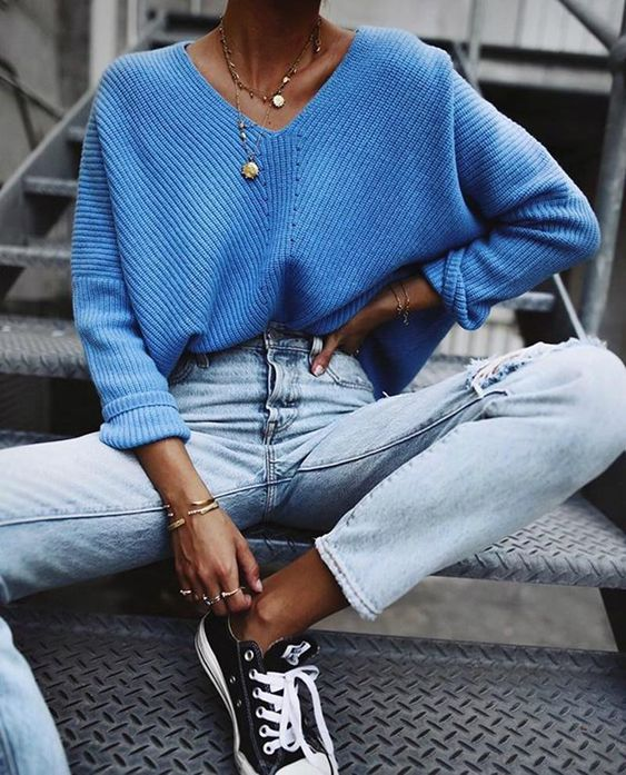 pepa mack blue knit ripped jeans converse all star sneakers
