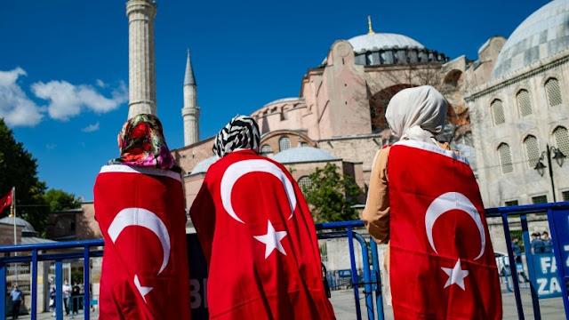 السفير الألماني السابق في تركيا مارتن إردمان : حرية التعبير مقيدة بشدة،  والهدف واضح لجعلها تحت سيطرة النظام، والمنطقة العثمانية لن تكون موجودة مرة أخرى..