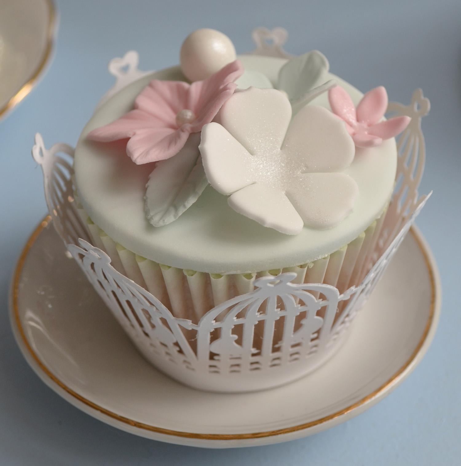 Cupcake Wedding Cakes: Little Paper Cakes: Vintage Wedding Cupcakes