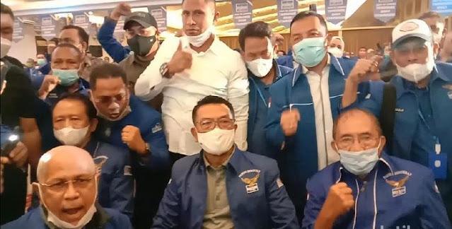 Moeldoko Bikin Jokowi dalam Bahaya Besar, Joman: Layak Dicopot!