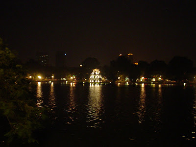 Torre tortuga - Lago Hoan Kiem, Hanoi, Vietnam