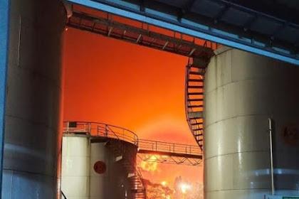 Kilang Minyak Pertamina Cilacap Terbakar, Diduga Tersambar Petir