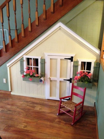 8 KIDS UNDER STAIR PLAYHOUSE DIY IDEAS