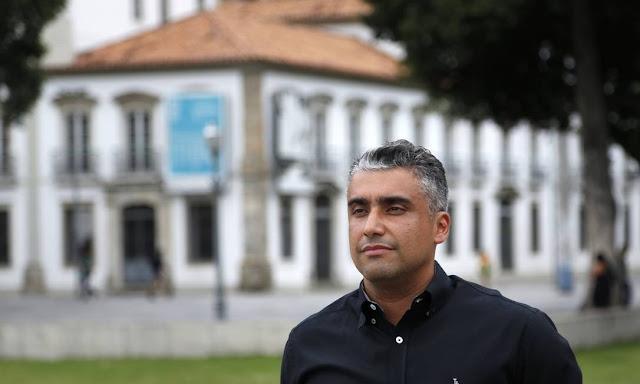 """PM diz que recebeu R$ 16,5 mil de Flávio Bolsonaro """"em dinheiro"""" e que valor pode ser carregado """"no bolso"""""""
