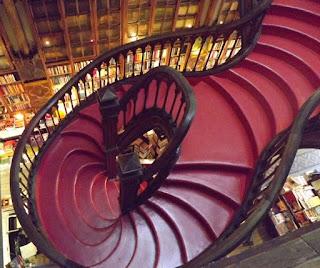 escada da Livraria Lello