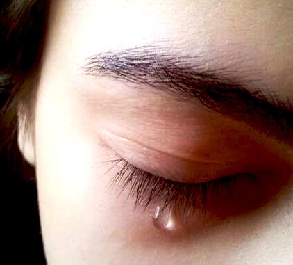 crying girl dp