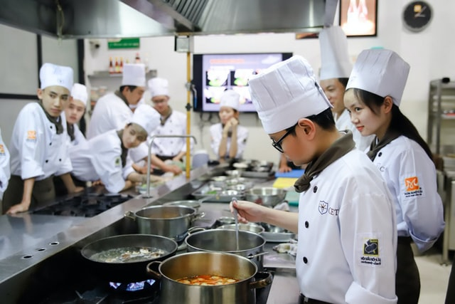 Tren Teknologi yang Menentukan Masa Depan dan Pertumbuhan Industri Makanan