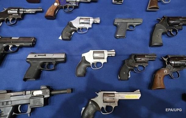 У США через епідемію зростає попит на зброю