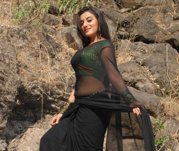 Akshara Singh is a Indian Tv and Bhojpuri Cinema actress and dancer
