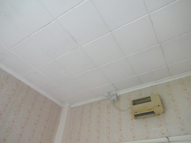 polystyrene tiles in bathroom