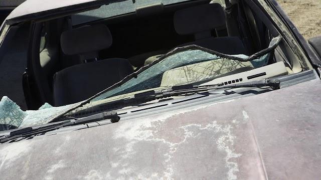 Tragikus baleset Forrónál: frontálisan ütköztek az autók