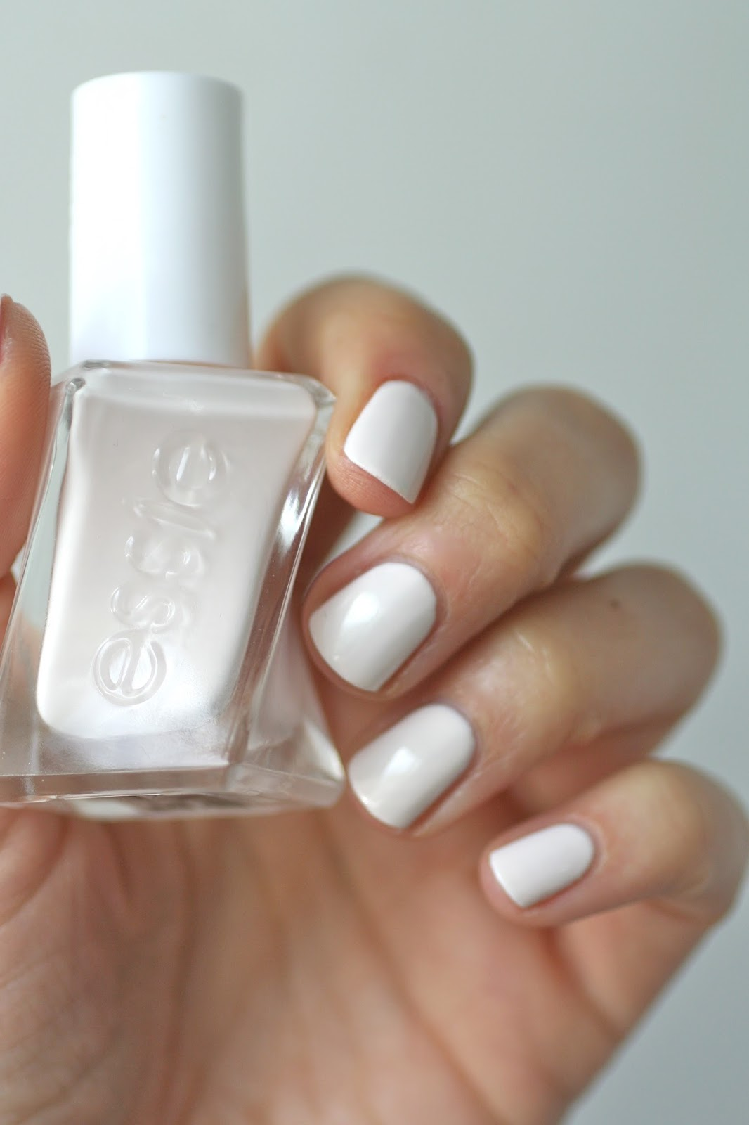 Essie Gel Couture Review - Pre Show Jitters | Essie Envy