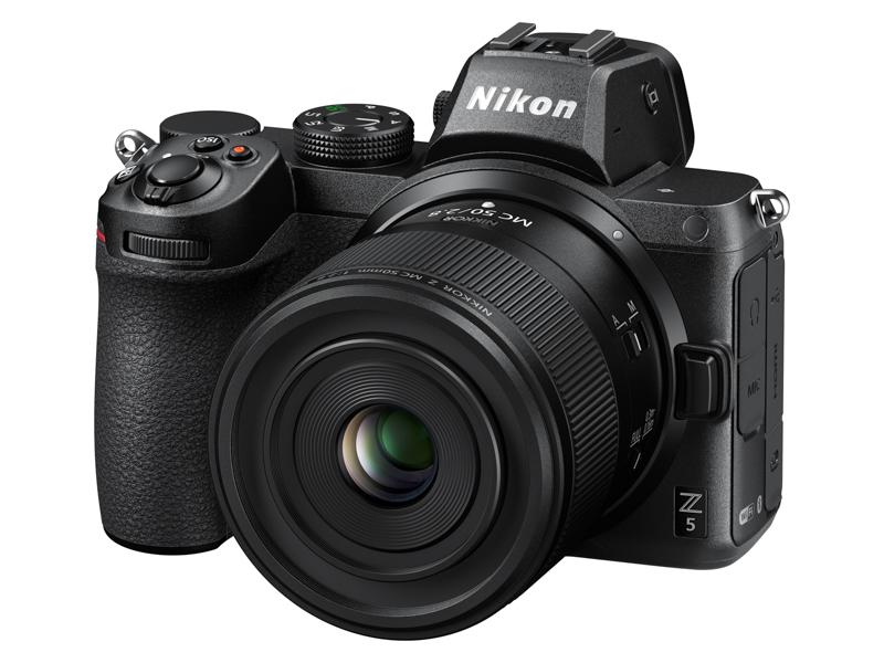Макрообъектив Nikon Nikkor Z MC 50mm f/2.8 с камерой Nikon Z5