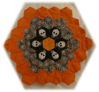 CHQuilts: Halloween candle pad