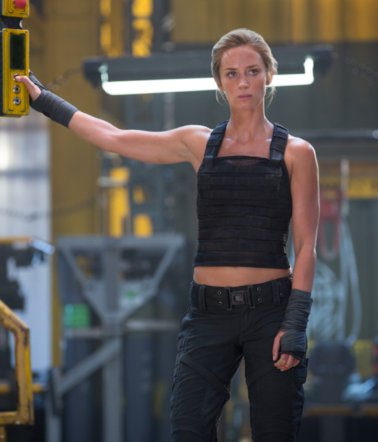 Emily Blunt Photos from Edge of Tomorrow Movie Actress Trend