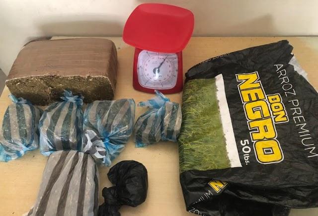 En Barahona Policía ocupa cocaína ,7 libra de marihuana, recupera escopeta y apresa 3 menores de edad