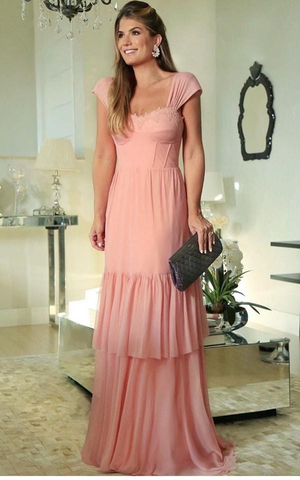 Ariane Canovas vestido rosa para madrinha de casamento
