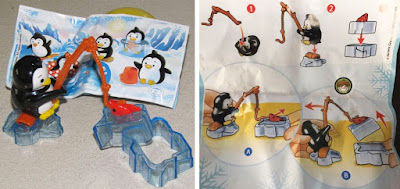 Фигурка пингвина рыбака и вкладыш Киндер Макси