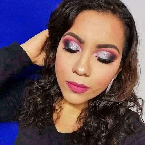 Maquillaje de ojos en tonos rosas para Noche Vieja y Noche Buena