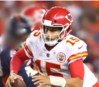 Patrick Mahomes changed over a critical third down with a left-handed throw