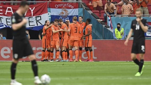 Ολλανδία - Αυστρία (2-0) : Νίκη πρόκρισης για τους Ολλανδούς