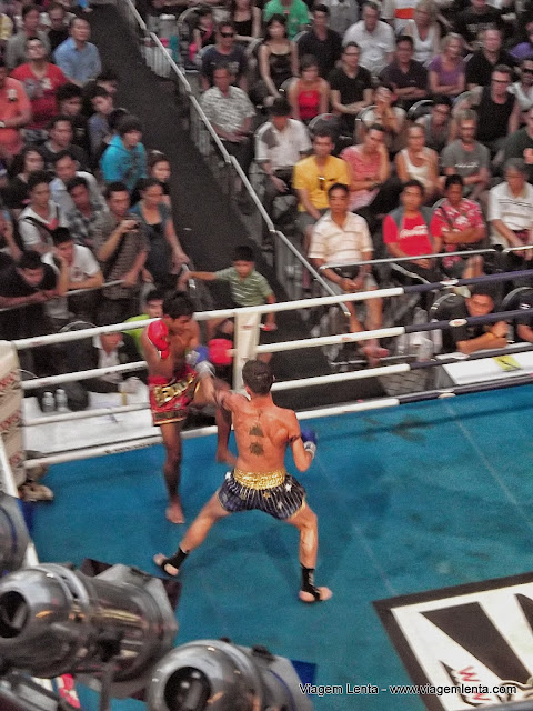 Luta de Muay Thai no MBK Center, em Bangkok