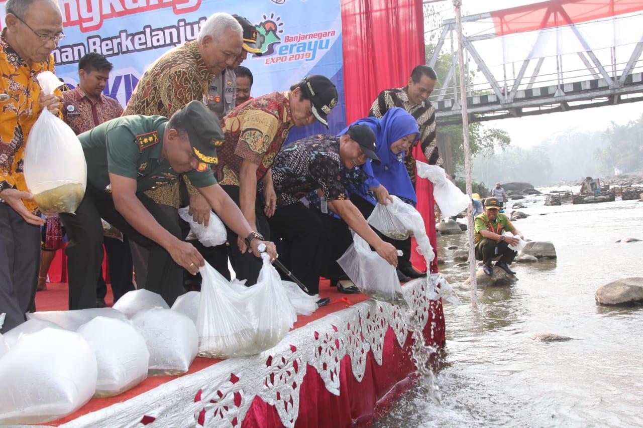 Tebar 5000 Benih Ikan Awali Festival Serayu Banjarnegara