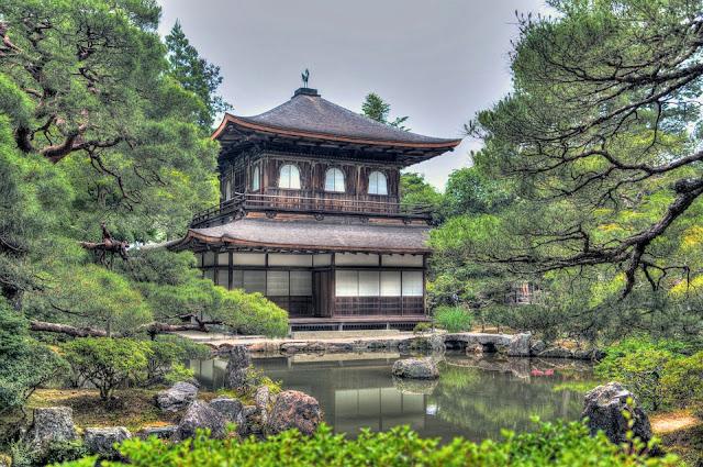 ginkaku-ji-temple-1464542_960_720.jpg