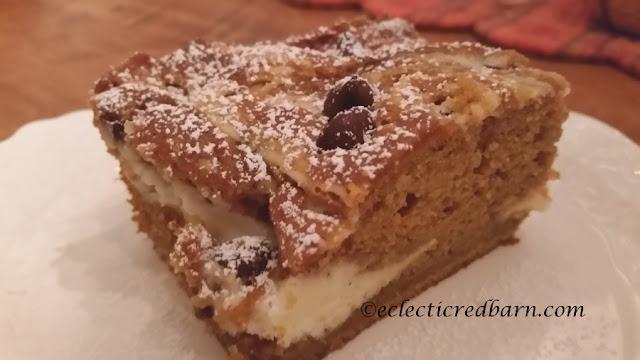 Pumpkin Earthquake Cake. Share NOW. #desserts #pumpkin #cake #eclecticredbarn