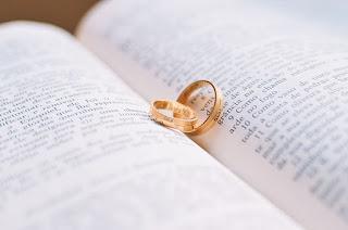 Ciascuno ami la moglie come sé stesso, e la donna abbia rispetto per il marito