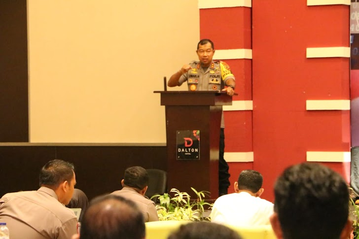 Kapolda Sulsel Irjen Pol Drs Umar Septono, Membuka Pelatihan Penanganan Tindak Pidana Siber