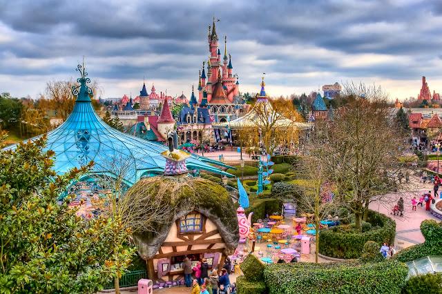 El parque de atracciones Disneyland París