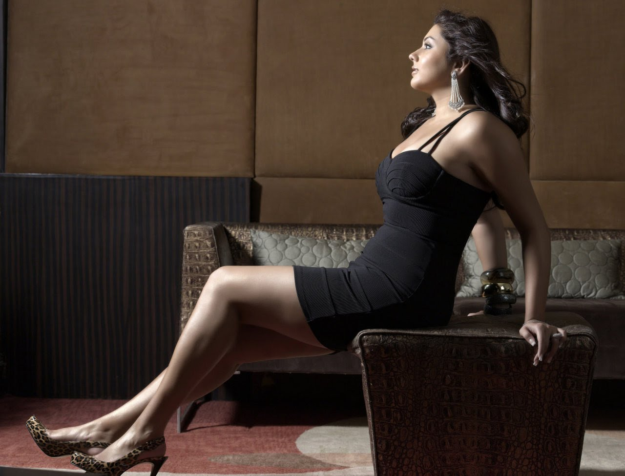 Namitha Hot Actress Latest Wallpapers - South 3Gp Videos-6200
