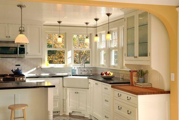 مغسلة زاوية في المطبخ