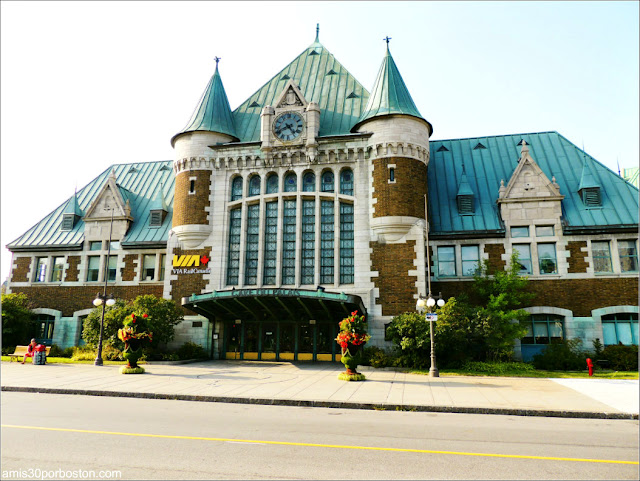 Estación Place de la Gare en la Ciudad de Quebec
