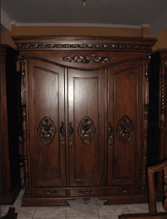 Lemari kayu 3 pintu minimalis