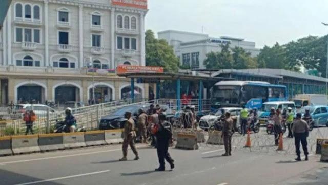 Demo BEM Seluruh Indonesia, Polisi Jaga Ketat Pusat Perbelanjaan